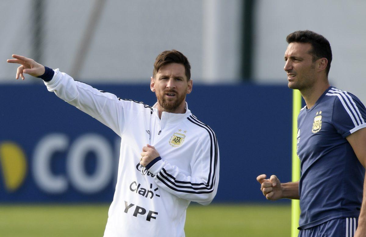 """Lionel Scaloni elogia a Messi y lo llama """"mágico"""""""