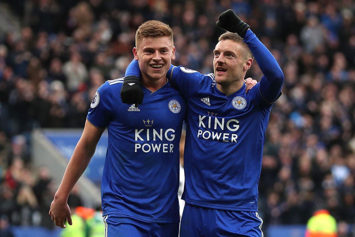 El Leicester golea 4-1 al descendido Huddersfield y mira a Europa