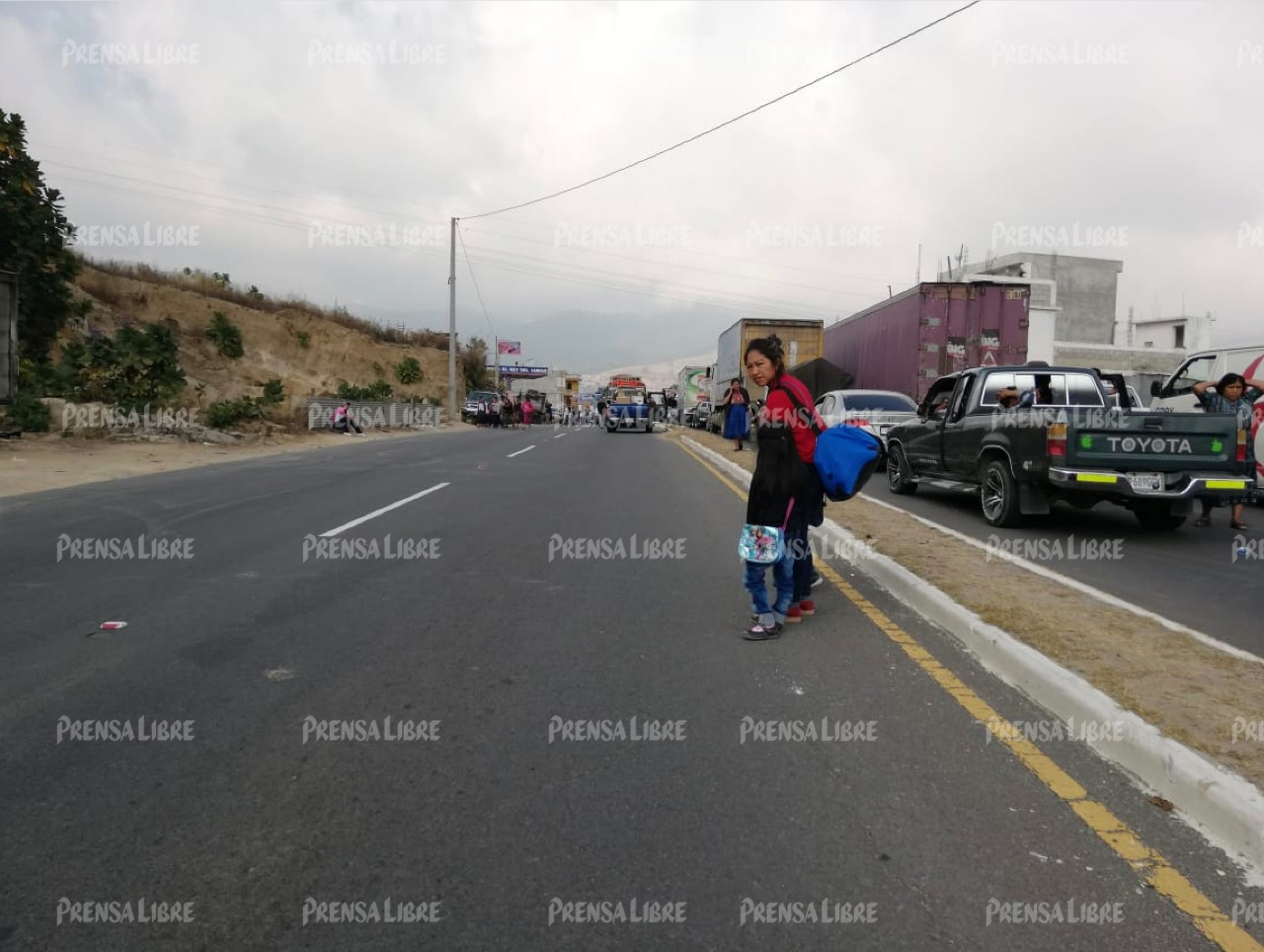 Una de las personas afectadas por bloqueo en la ruta Interamericana.