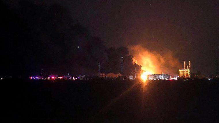 La explosión también dejó decenas de heridos graves. (Foto Prensa Libre: AFP)