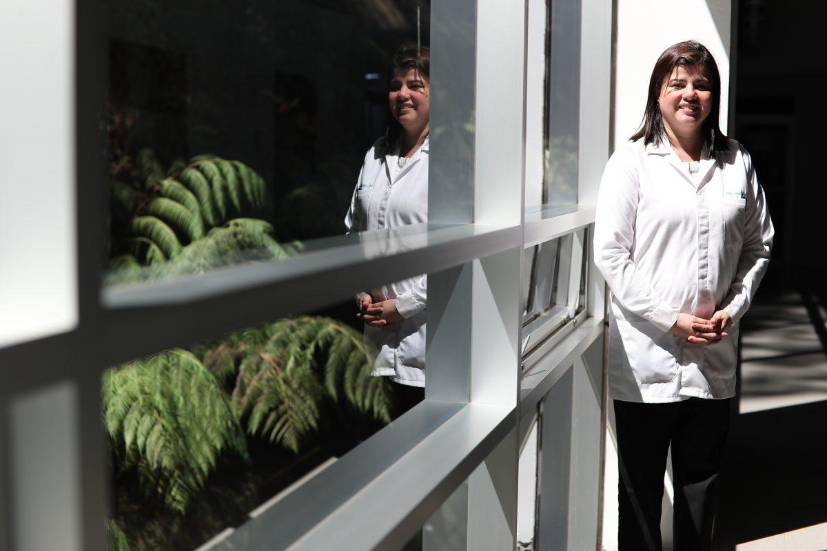 Claudia Carranza, pionera en la investigación genética humana:  Quiero poner al servicio de mi gente lo que aprendí