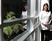 La científica Claudia Lorena Carranza Meléndez ha desarrollado varios estudios relacionados con genética en el país. (Foto Prensa Libre: Carlos Hernández)
