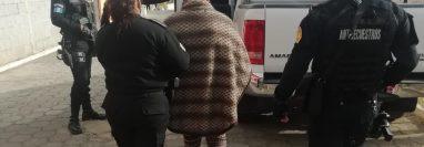 Lilian Amparó Arévalo Rivas fue capturada por agentes del Comando Antisecuestros de la Policía Nacional Civil, en la colonia Patricia de Arzú, El Tejar, Chimaltenango. (Foto Prensa Libre: Cortesía PNC)