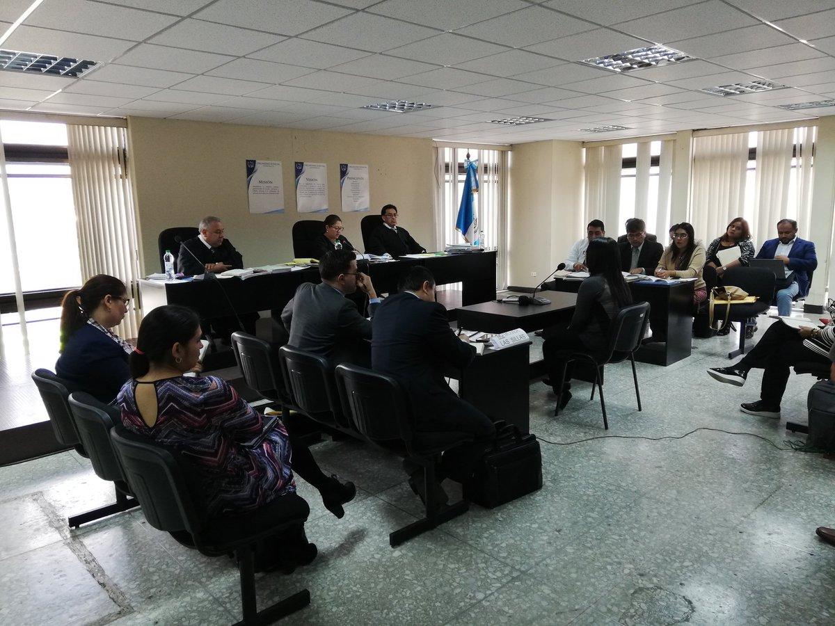 Nancy Magaly Alonso Suchité, condenada por extorsión, declaró como testigo del MP. (Foto Prensa Libre: Carlos Hernández)