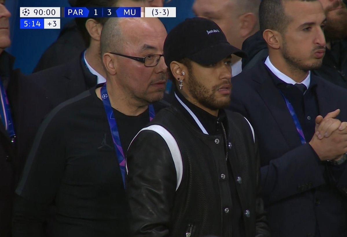 Neymar sufrió al final del partido en el Parque de los Príncipes. (Foto Prensa Libre: Twitter)