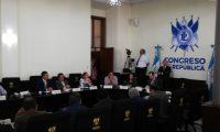 Los jefes de bloque del Congreso esperaban interrogar a funcionarios del TSE pero estos se excusaron de llegar. (Foto Prensa Libre: Carlos Álvarez)