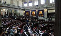 Los diputados aprobaron de urgencia nacional el segundo decreto ley de este año. (Foto Prensa Libre: Carlos Álvarez)