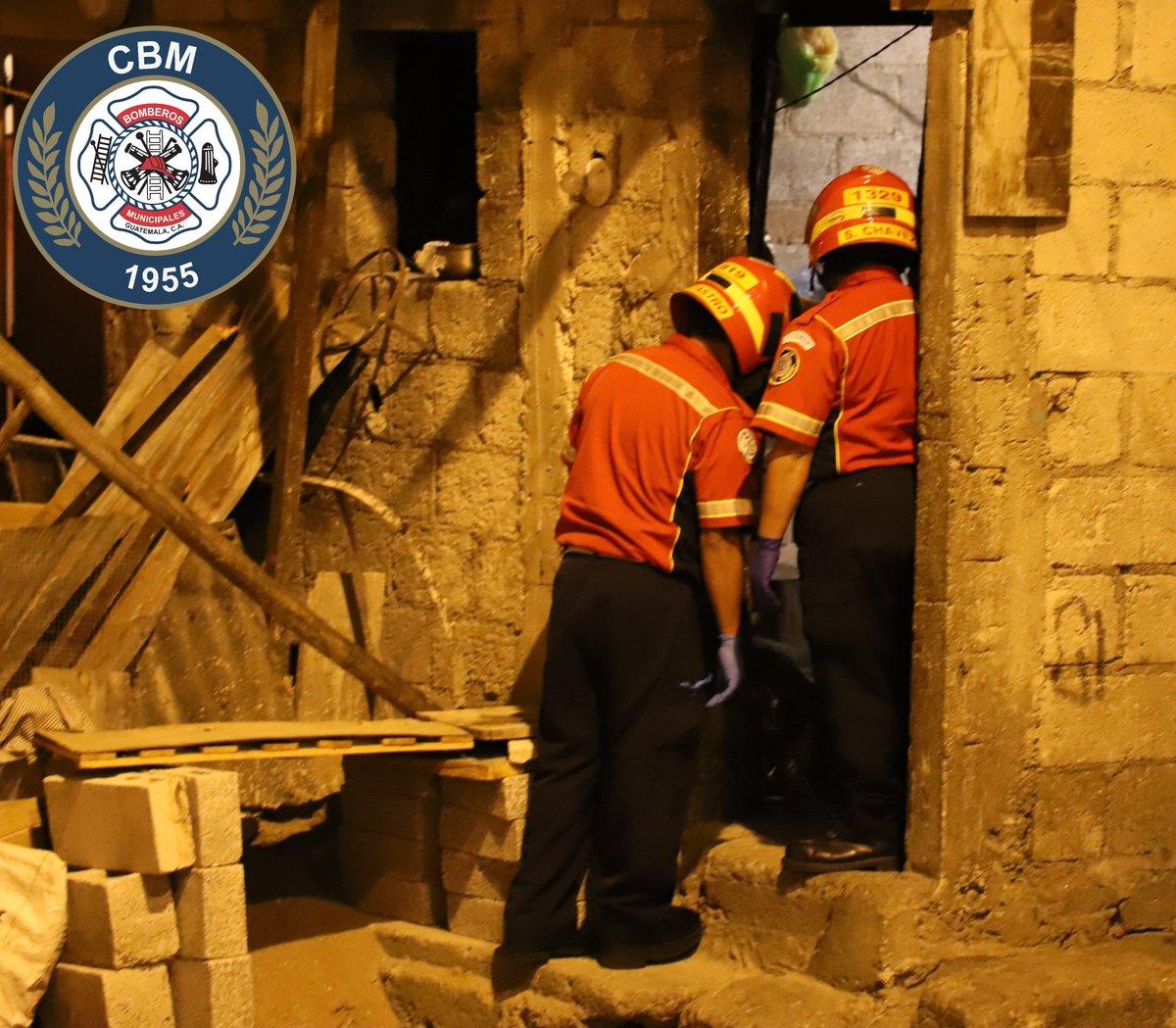 Matan a mujer en la colonia El Esfuerzo, zona 5. (Foto Prensa Libre: CBM).
