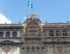 Este año el Ministerio de Cultura destinó caso Q22 millones para reparar la fachada del Palacio Nacional de la Cultura; sin embargo, esa cartera es la que más baja ejecución muestra. (Foto Prensa Libre: Hemeroteca PL)