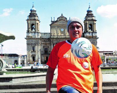 Defensor guatemalteco Roberto Cóbar, quien milita en Siquinalá. (Foto Prensa Libre: Hemeroteca PL)