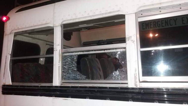 Deportivo Chiantla señaló que el autobús que transportaba a los jugadores juveniles sufrió daños. (Foto Prensa Libre: CD Chiantla)