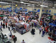 La demanda interna crecerá por el mayor flujo de remesas, según las autoridades. (Foto Prensa Libre: Hemeroteca)