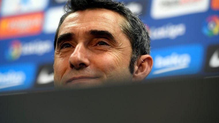 Ernesto Valverde, técnico del Barcelona, en conferencia de prensa. (Foto Prensa Libre: AFP)