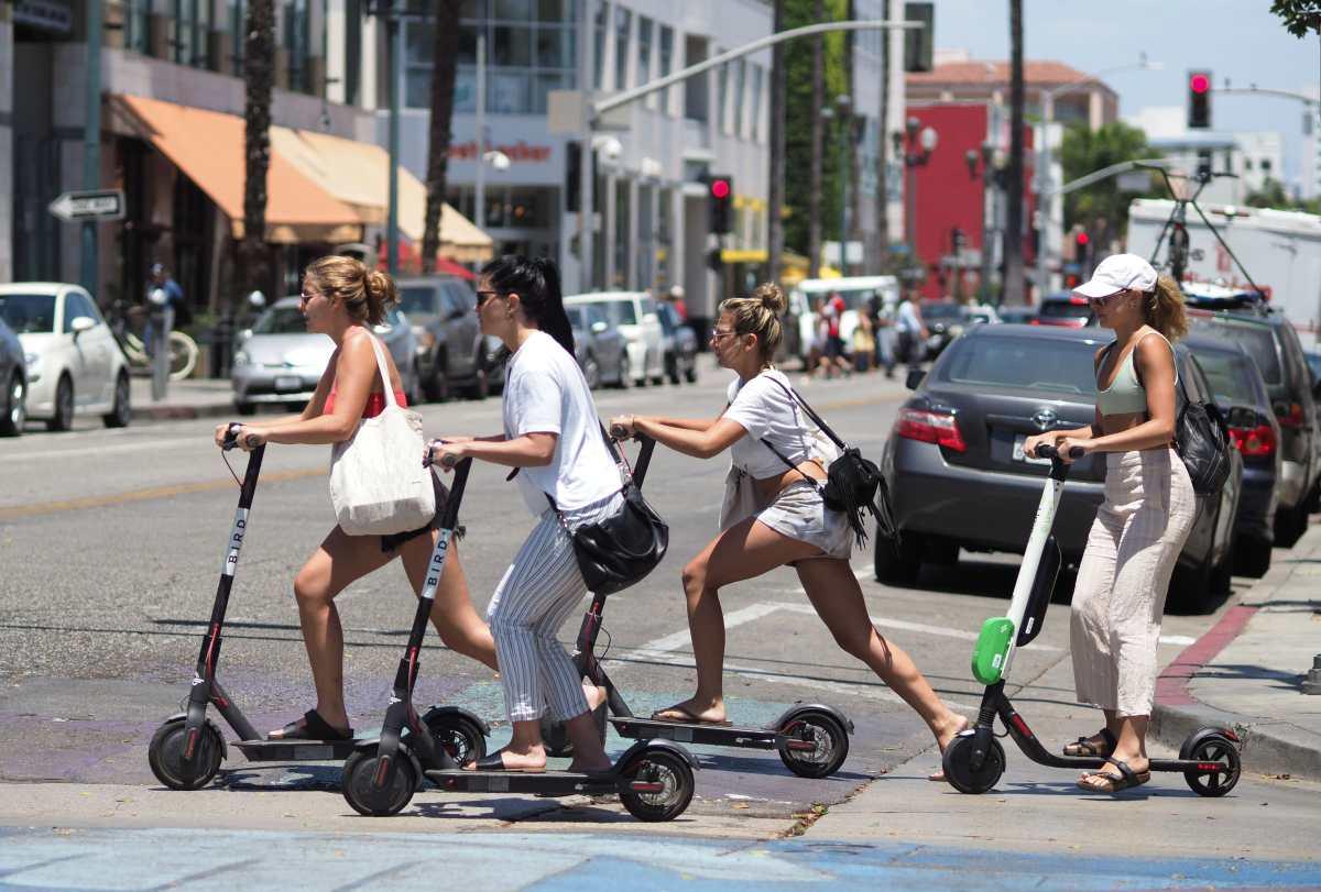 """¿Auto o monopatín? Uber quiere convertirse en el """"Amazon"""" del transporte"""