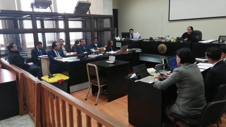 La audiencia de primera declaración contra cuatro implicados en el caso financiamiento de la UNE se desarrolla en el Juzgado de Mayor Riesgo A. (Foto Prensa Libre: Kenneth Monzón)