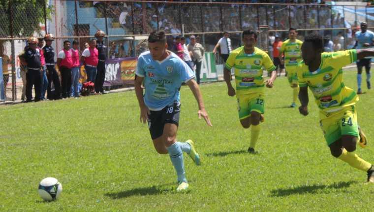 Chiantla y Sanarate se enfrentaron este domingo por la jornada 12 del Clausura 2019. (Foto Prensa Libre: Luis López).