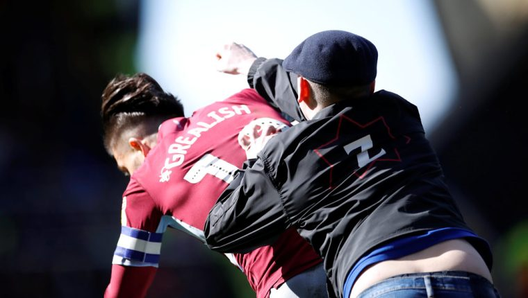 Jack Grealish, capitán del Aston Villa, fue agredido el fin de semana. (Foto Prensa Libre: Internet)