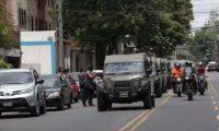 La movilización de los jeeps J8 el 31 de agosto, cuando se anunció el fin del mandato de Cicig, ha sido justificada por la SIE. (Foto Prensa Libre: Hemeroteca PL)