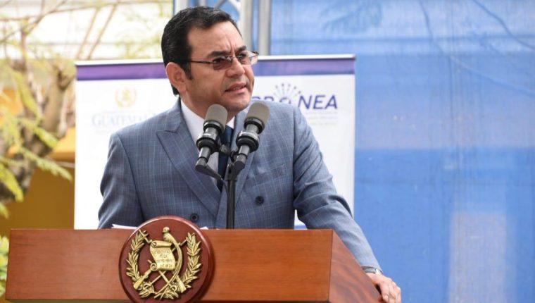El presidente Jimmy Morales cuestionó a los medios independientes en su discurso durante una actividad en el Ministerio de Educación. (Foto Prensa Libre: Gobierno de Guatemala)