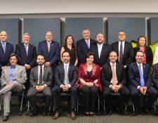 Nuevos miembros de la nueva Junta Directiva 2019-2021 de Agexport, estará liderada por Consuelo de Paiz (al centro). (Foto Prensa Libre: Cortesía)