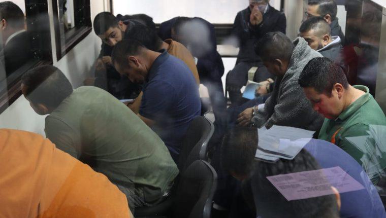 La jueza Virginia de León procesó a diez integrantes de la supuesta banda denominada Los Stuard. (Foto Prensa Libre: Kenneth Monzón)