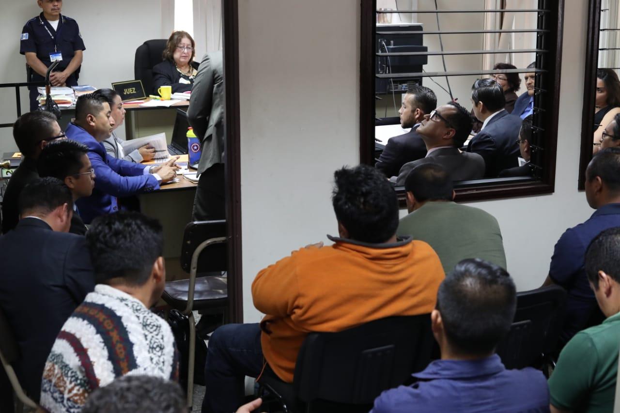 En el Juzgado Segundo Penal, a cargo de Virginia de León, se realizó la audiencia de primera declaración. (Foto Prensa Libre: Esbin García)