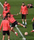 Marcelo realiza un entrenamiento con el Real Madrid, pero se podría marchar del equipo blanco. (Foto Prensa Libre: AFP).