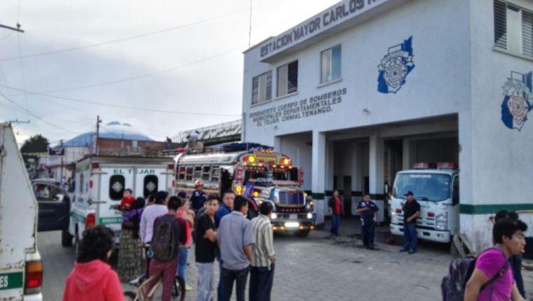 Bus en el que se registró el ataque armado en el km 50 de la ruta Interamericana. (Foto Prensa Libre).