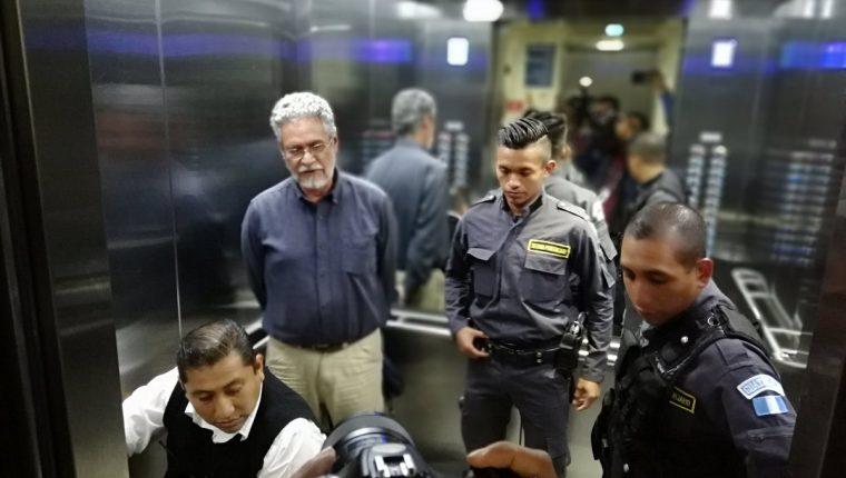 Juan Domingo Pérez Flores fue beneficiado con la suspensión de la persecución penal. (Foto Prensa Libre: Kenneth Monzón)