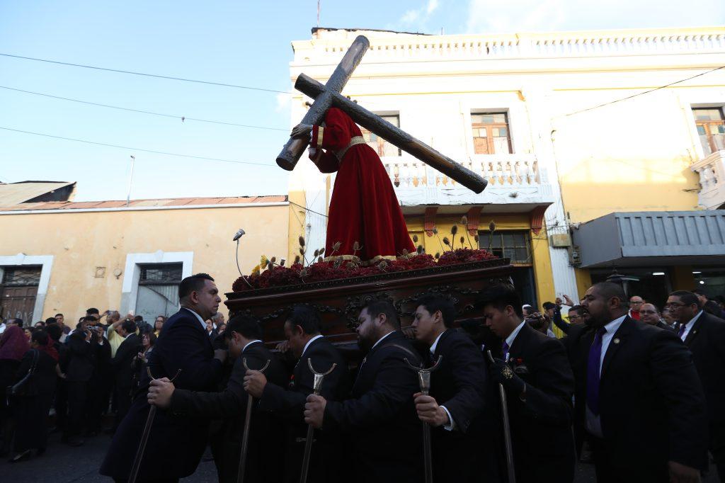 La procesión inició a las 17:00 horas y terminó a las 19:00 horas.