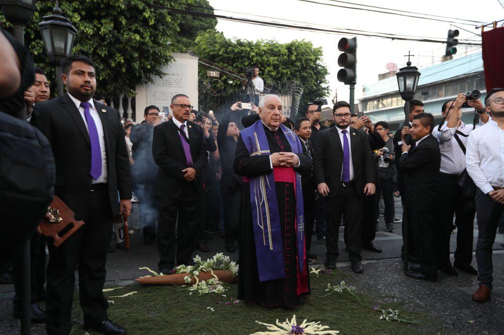 Monseñor Marco Aurelio González Iriarte encabezó el cortejo.