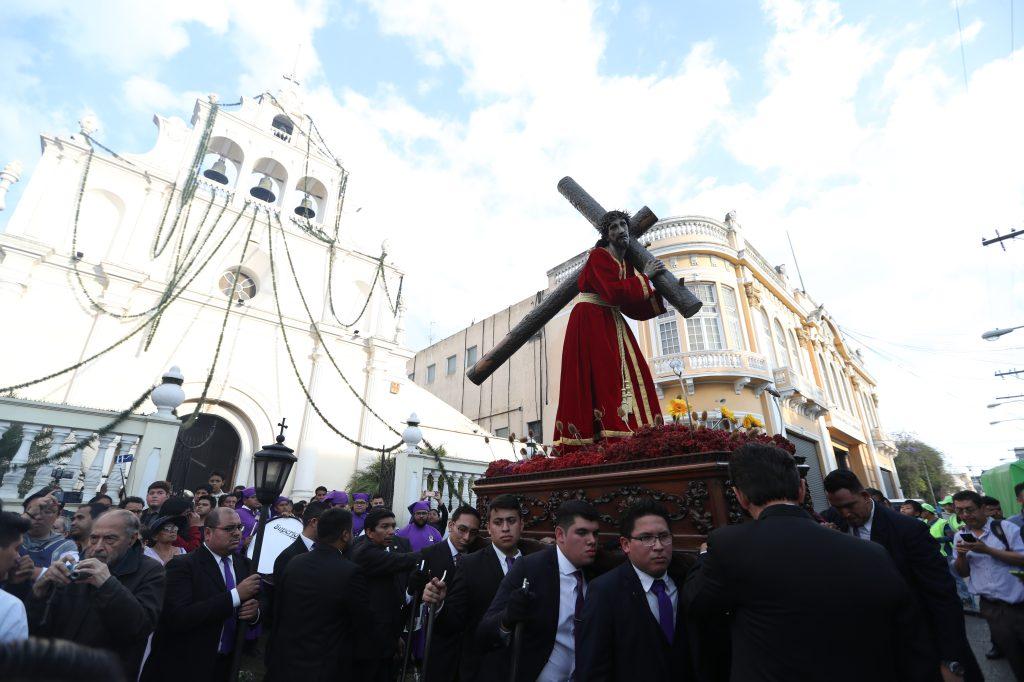 El solemne traslado lleva tres años de realizarse en las calles aledañas al Beaterio de Belén.