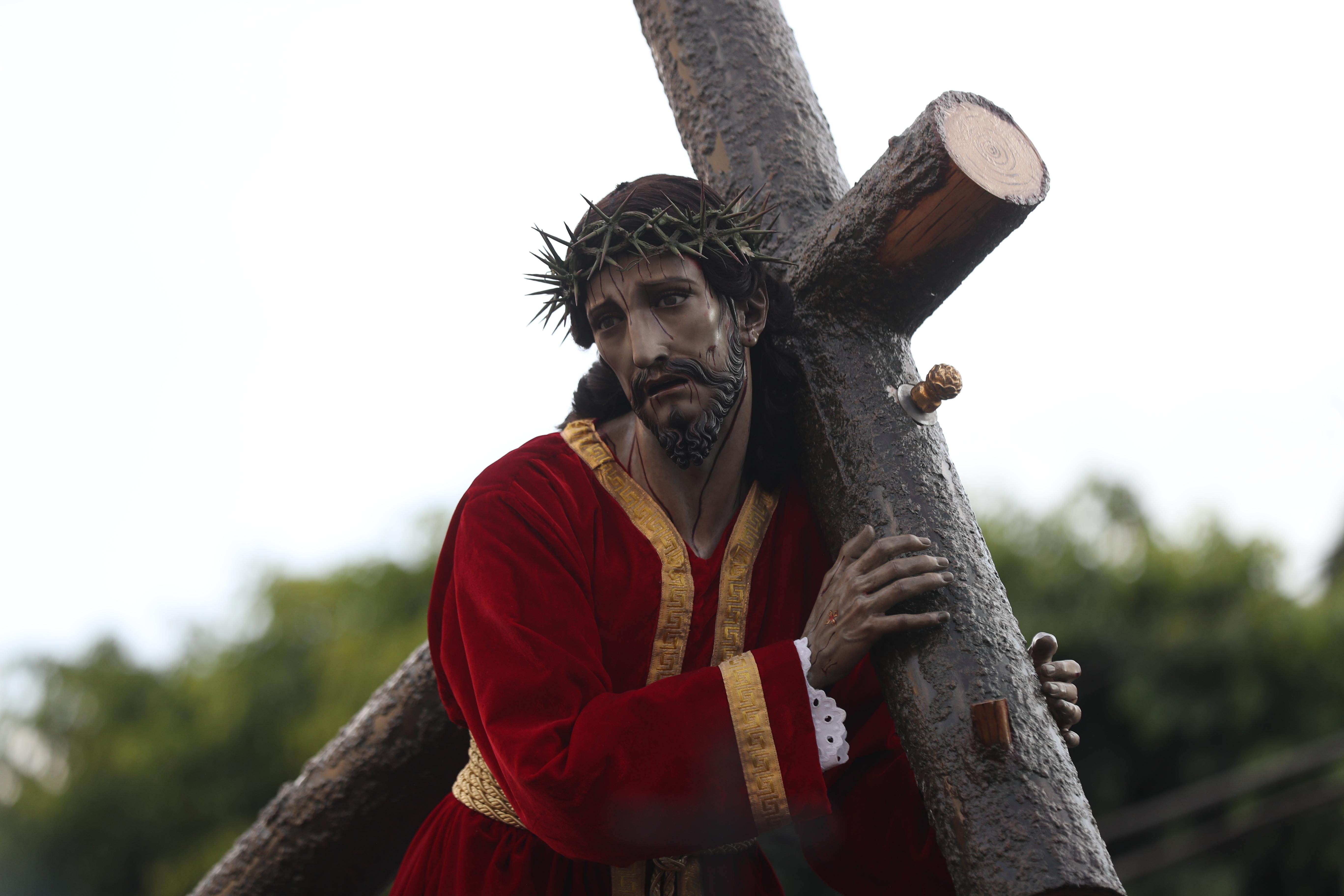 La talla del Nazareno refleja a un cristo sufriente.
