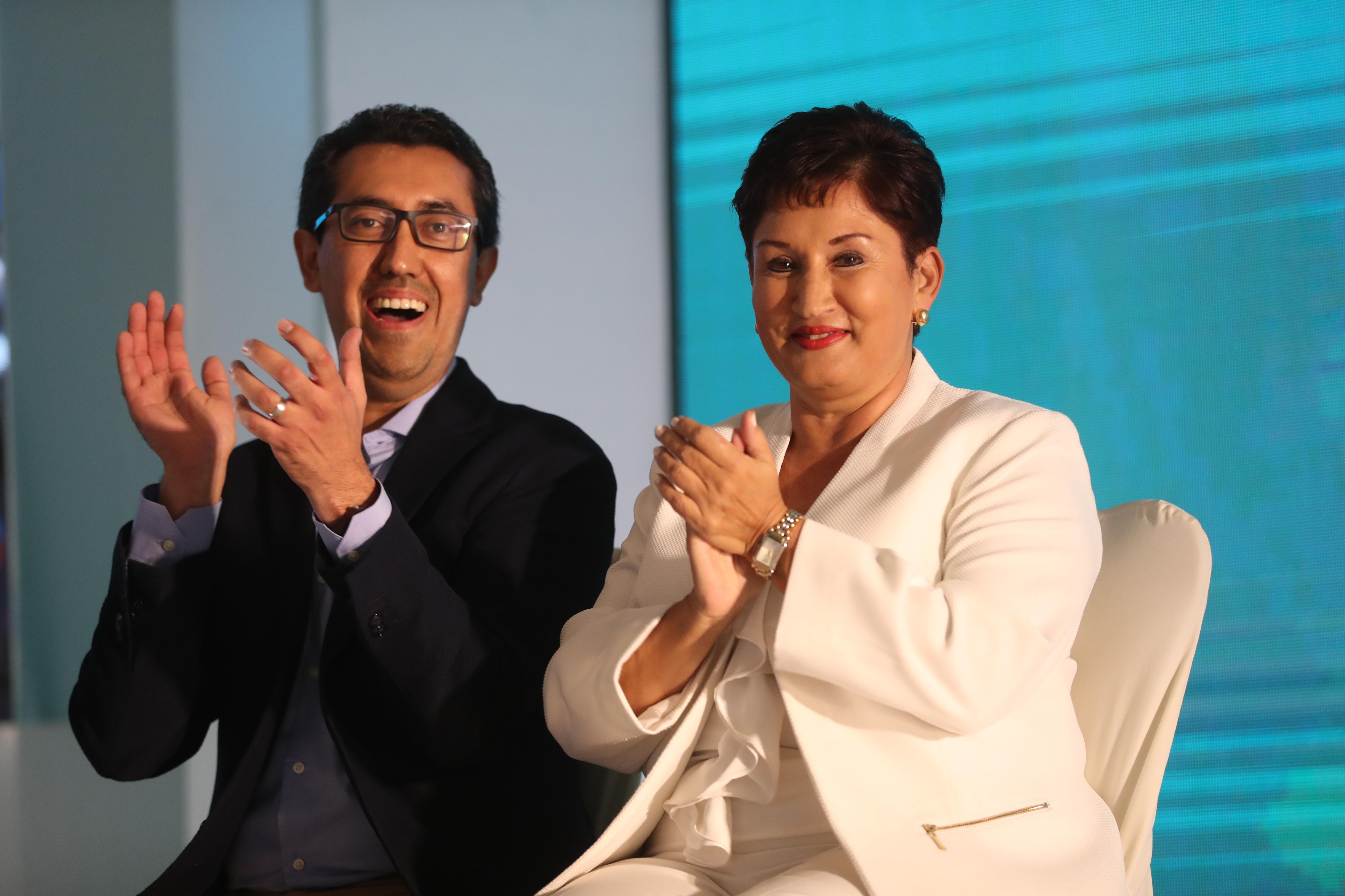 Thelma Aldana, exfiscal General, y Jonathan Menkos, binomio presidencial del Movimiento Semilla. (Foto Prensa Libre: Hemeroteca PL)