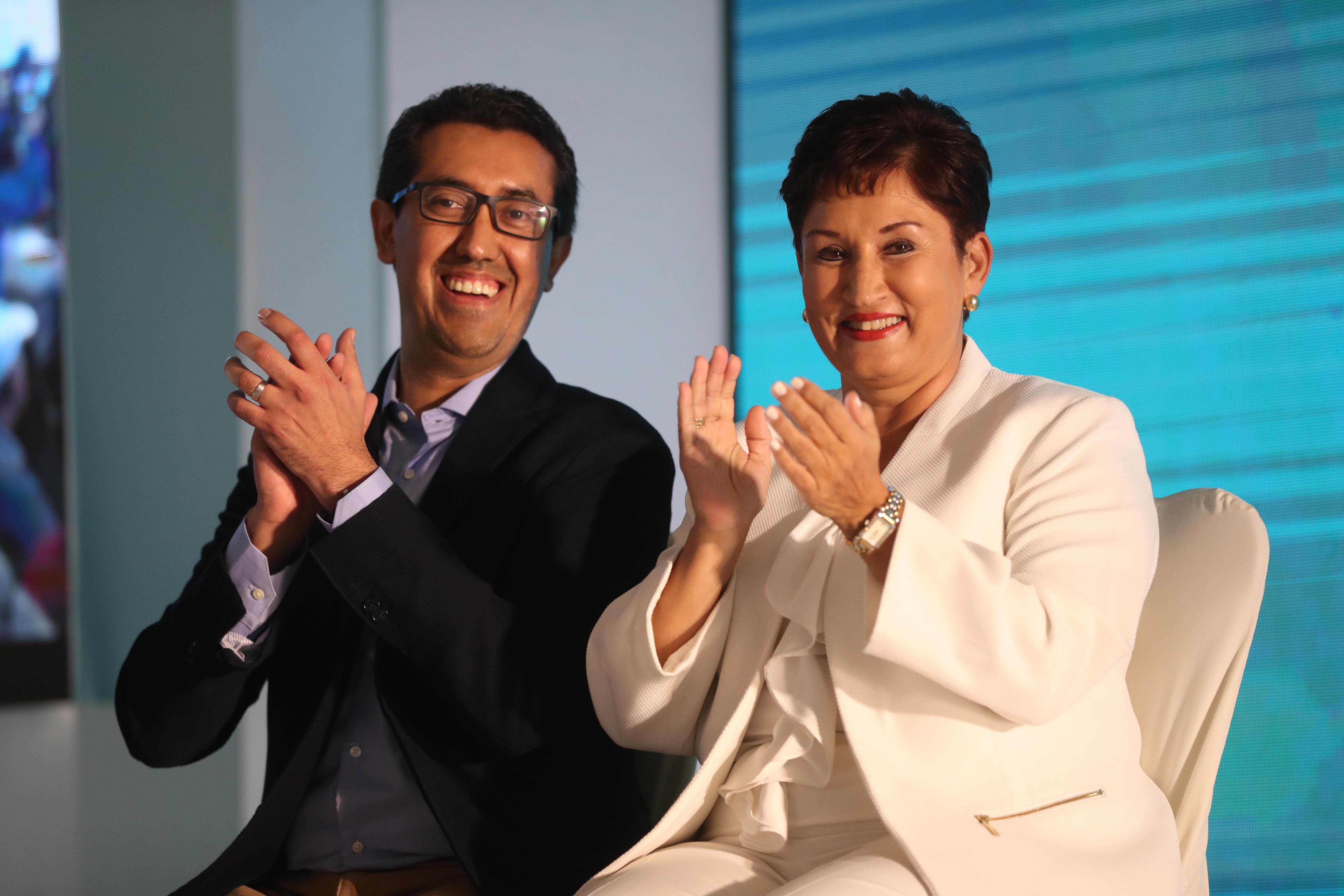 La exfiscal Thelma Aldana y el economista Jonathan Menkos fueron proclamados como binomio presidencial del partido  Movimiento Semilla el pasado 10 de marzo. (Foto Prensa Libre: Hemeroteca PL)
