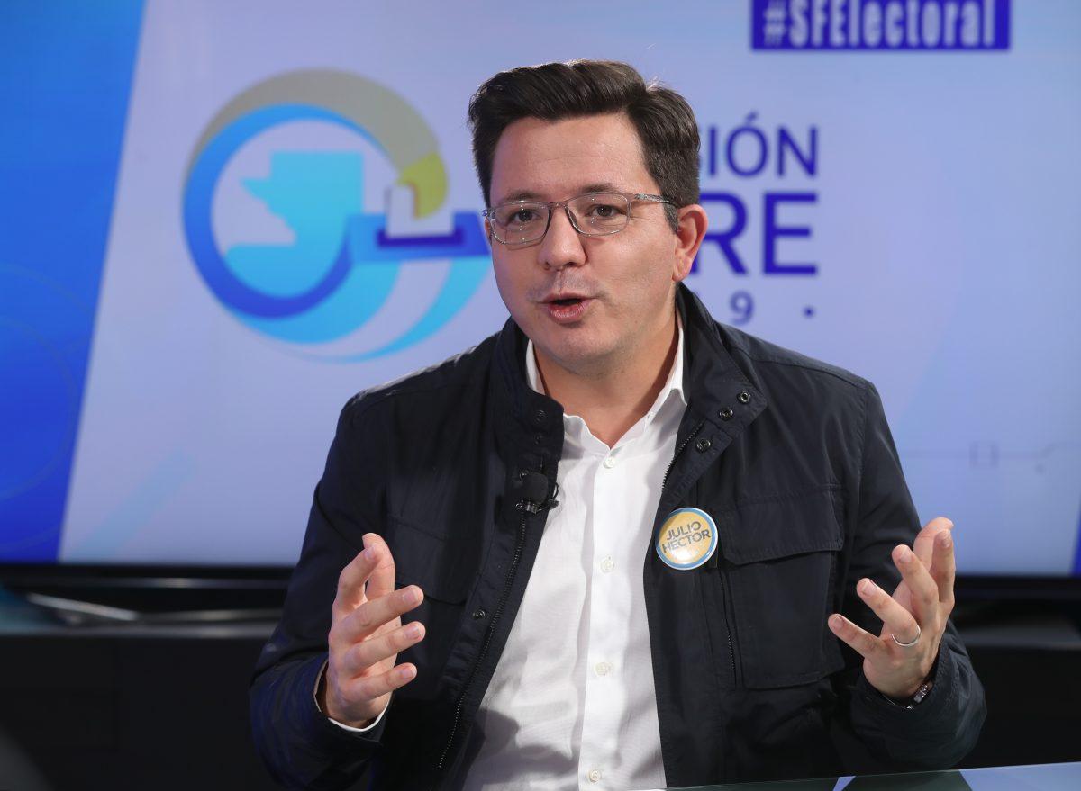 Julio Héctor Estrada dice que de llegar a la Presidencia reducirá el número de ministerios y suprimirá secretarías