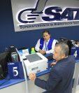 La SAT advirtió la circulación de mensajes por correo electrónico que ofrecen plazas de empleo y ascensos en la Intendencia de Aduanas, lo que es falso. (Foto Prensa Libre: Hemeroteca)