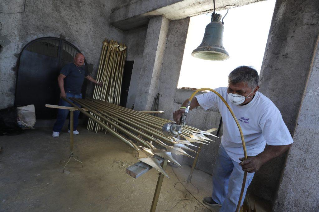 Desde el primer domingo de Cuaresma inician los trabajos para renovar la parafernalia del Escuadrón de Romanos de San José