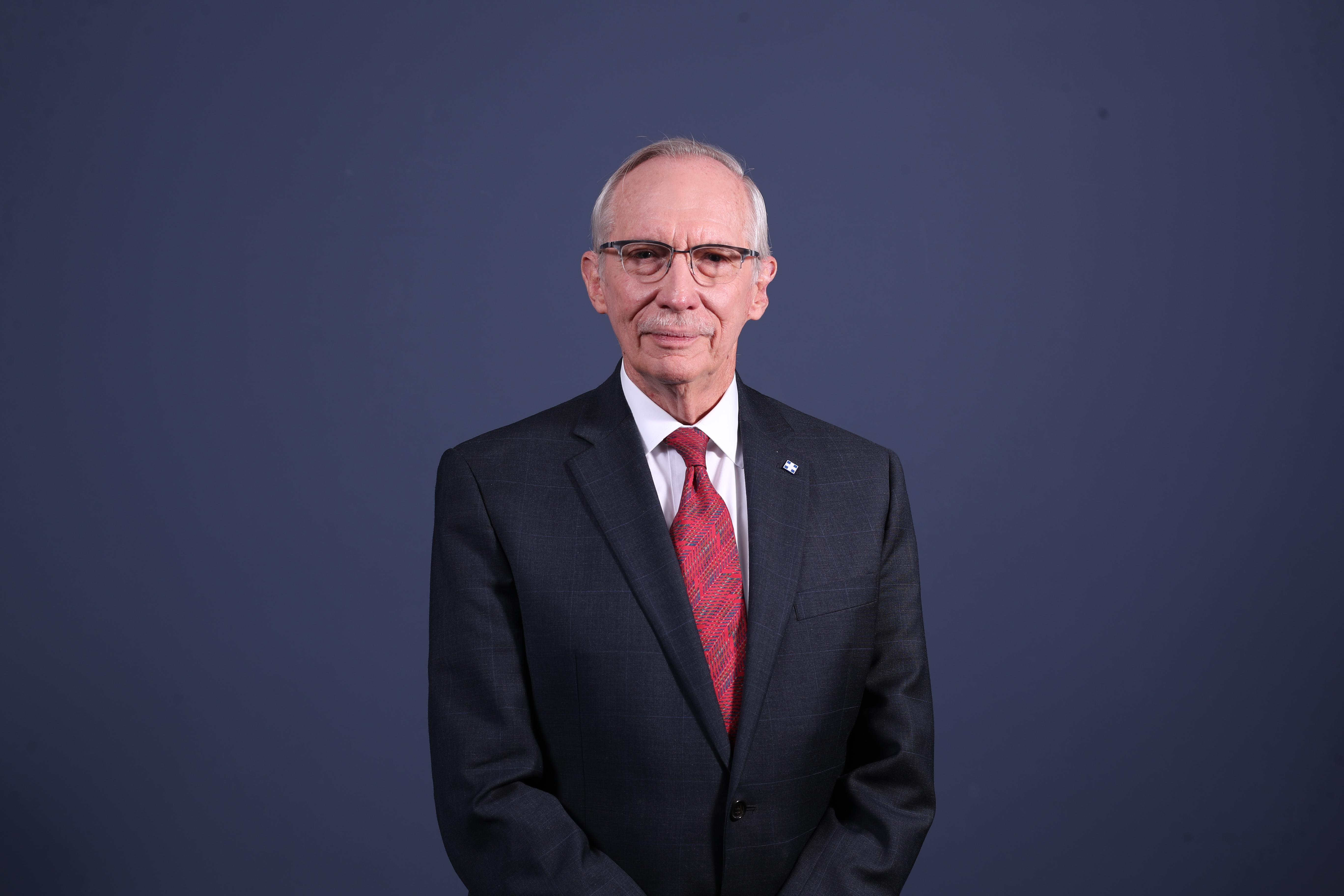 Edmond Mulet, abogado, periodista y político, aspira a la Presidencia por el Partido Humanista. (Foto Prensa Libre: Érick Ávila)