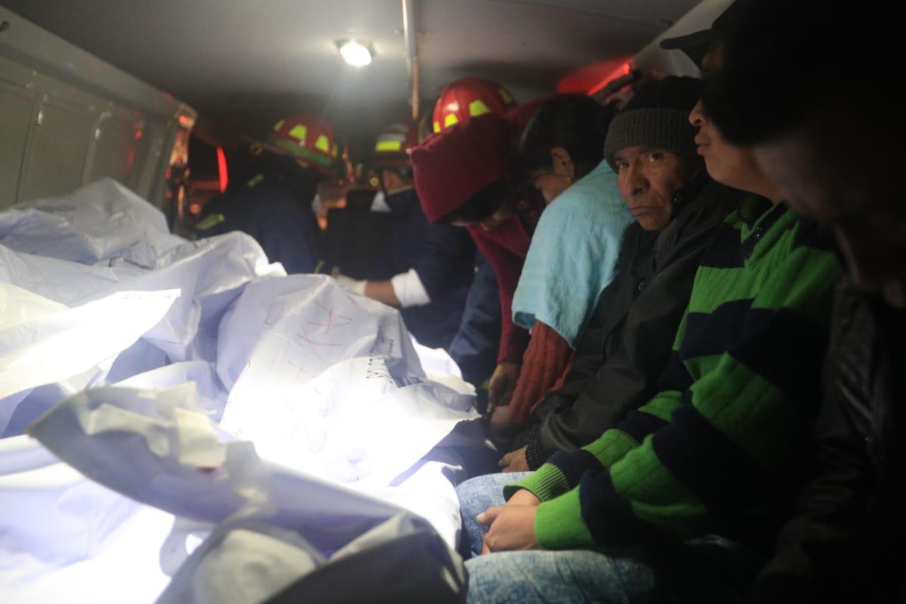 Un accidente de tránsito ocurrido en el km 158 de la ruta Interamericana, en Nahualá, Sololá, dejó al menos 18 personas muertas y más de una docena de heridos la noche del miércoles último.  GALNA  CARLOS HERNÁNDEZ OVALLE  28 03 2019