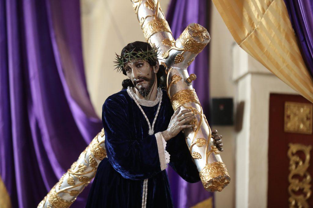 Jesús de la Indulgencia salió a las 18 horas y regresará al templo a las 22 horas. Foto Prensa Libre: Óscar Rivas