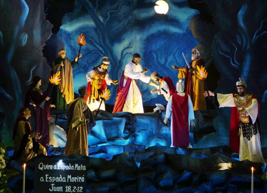 Desde tempranas horas se pudo observar el altar de velación de Jesús de la Dulce Mirada de la aldea Santa Ana, Sacatepéquez. Foto Prensa Libre: Roberto Masaya