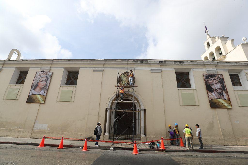 El Beaterio de Belén fue adornado debido al recorrido del Viacrucis Penitencial. Foto Prensa Libre: Óscar Rivas