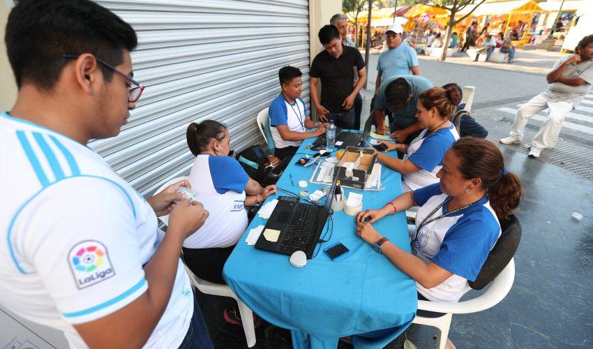 Los guatemaltecos tienen hasta el 17 de marzo para empadronarse. (Foto Prensa Libre:  Carlos Hernández Ovalle)