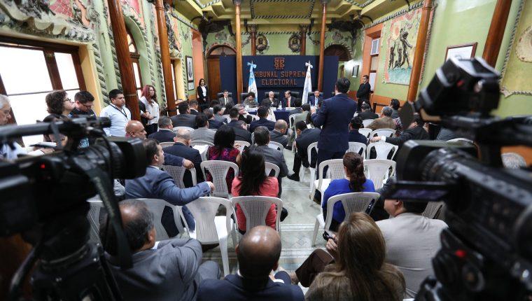 Los partidos políticos son vulnerables a ser penetrados por el crimen organizado debido a su poca institucionalidad señalan expertos. (Foto Prensa Libre: Hemeroteca PL)