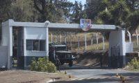 Dos d'as despuŽs de la fuga de un narcotraficante, el ambiente es normal en las afueras del centro de detenci—n Mariscal Zavala.  foto por Carlos Hern‡ndez Ovalle 19/03/2019