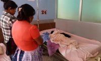 Niño quemado en incendio permanece en observación en un centro asistencial de Jalapa. (Foto Prensa Libre: Hugo Oliva)