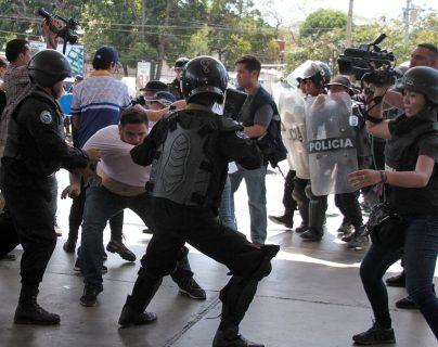 Detenidos más de 100 manifestantes en Nicaragua, entre ellos delegados de la oposición