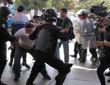 La policía nicaragüense arremetió contra periodistas el fin de semana último. (Foto: AFP)