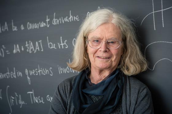 Karen Uhlenbeck, de 76 años, se convirtió este martes en la primera mujer que gana el Premio Abel, consierado el Nobel de matemáticas. (Foto Prensa Libre: NORWEGIAN ACADEMY OF SCIENCE AND LETTERS)